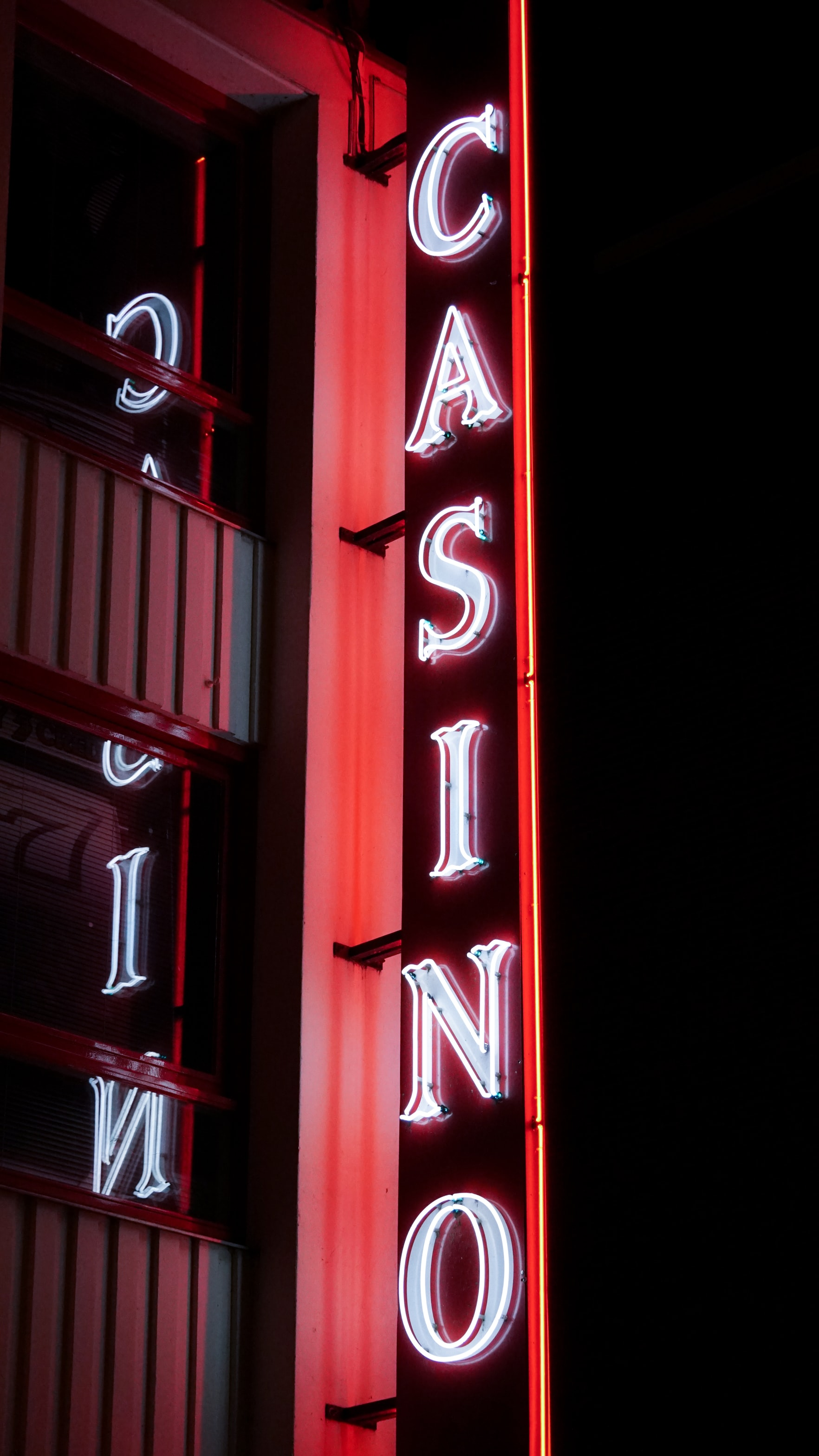 Picture of a real Casino Vertical Sign